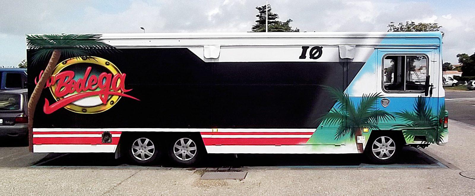 Déco-Camion-restaurant-Food-Truck-La-Bodega