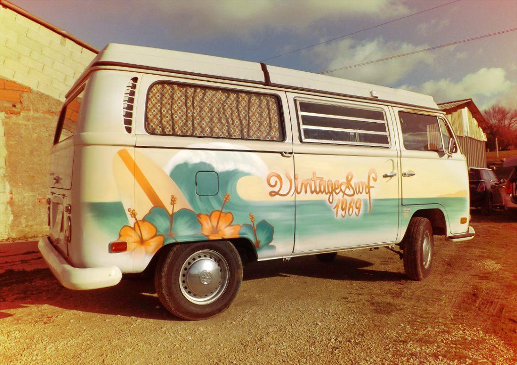 Volkswagen-combi-1971-custom