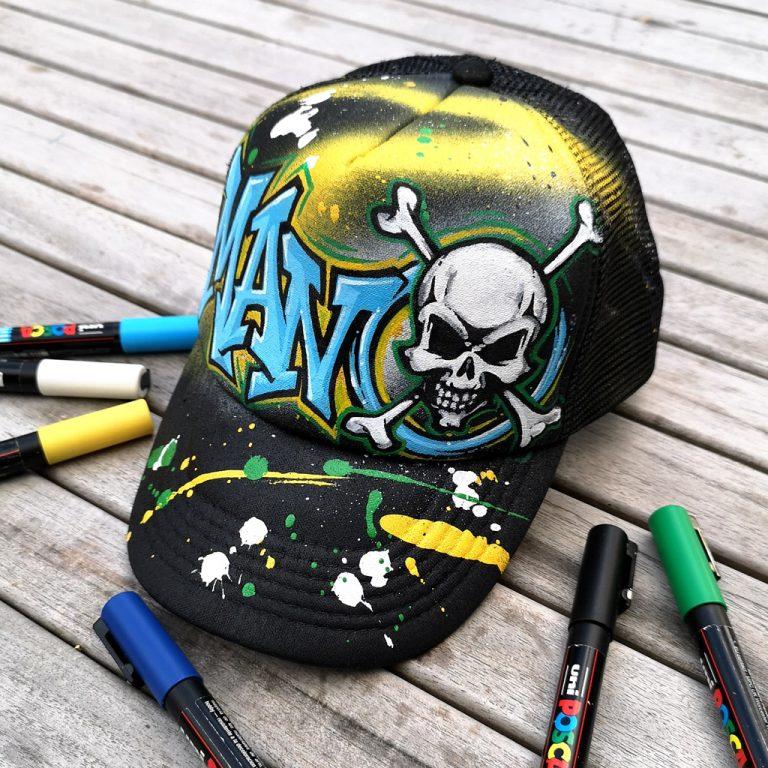 casquette personnalisée prénom graffiti et tête de mort
